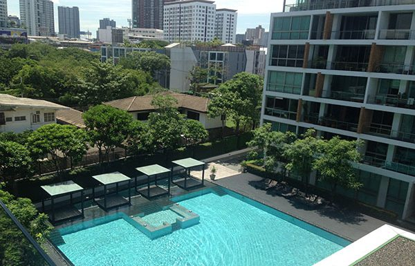 Ficus-Lane-Bangkok-condo-for-sale-swimming-pool-3