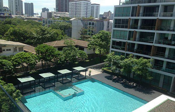 Ficus-Lane-Bangkok-condo-for-sale-swimming-pool-3